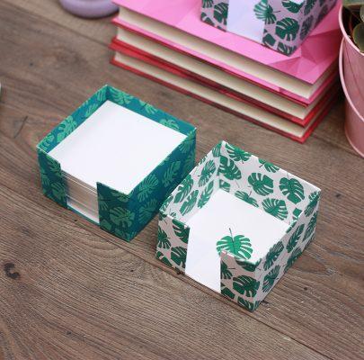 Kubik – pudełko na karteczki do złożenia / motyw botaniczny