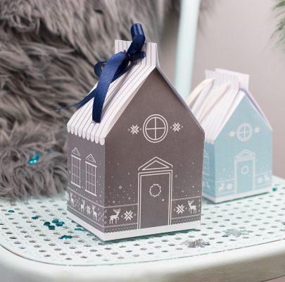 Zimowe chatki – pudełka na prezenty do druku w 4 kolorach