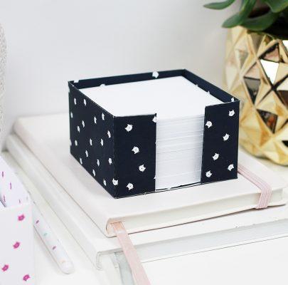 Kubik – praktyczny pojemnik na karteczki do złożenia
