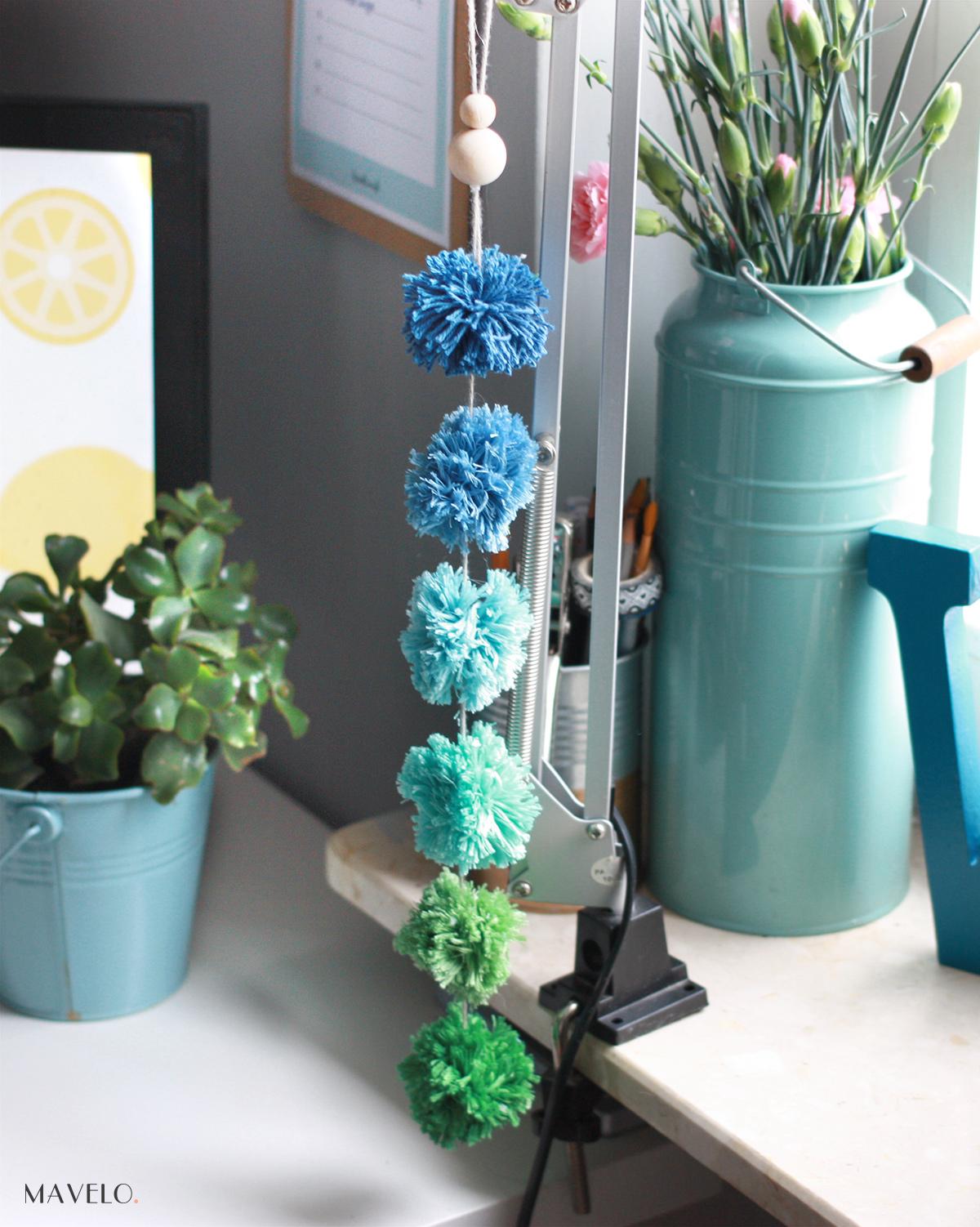 DIY: dekoracje z pomponów