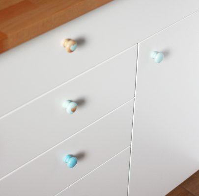 Malowanie mebli z okleiny, stara kuchnia jak nowa, zdjęcia przed i po – metamorfoza mojej kuchni cz. 2