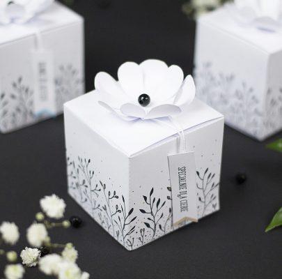 Pudełko na prezent z ozdobnym kwiatkiem do druku