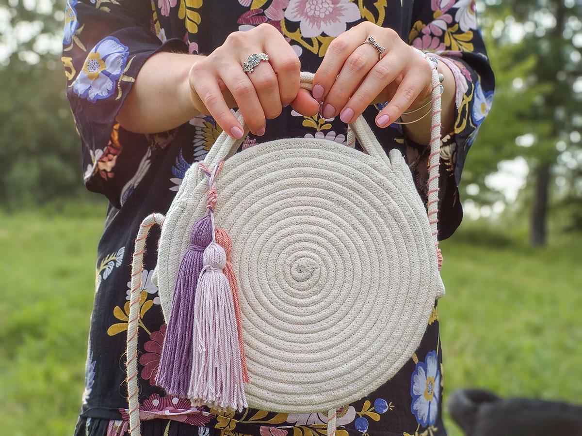Okrągła torebka ze sznurka: DIY