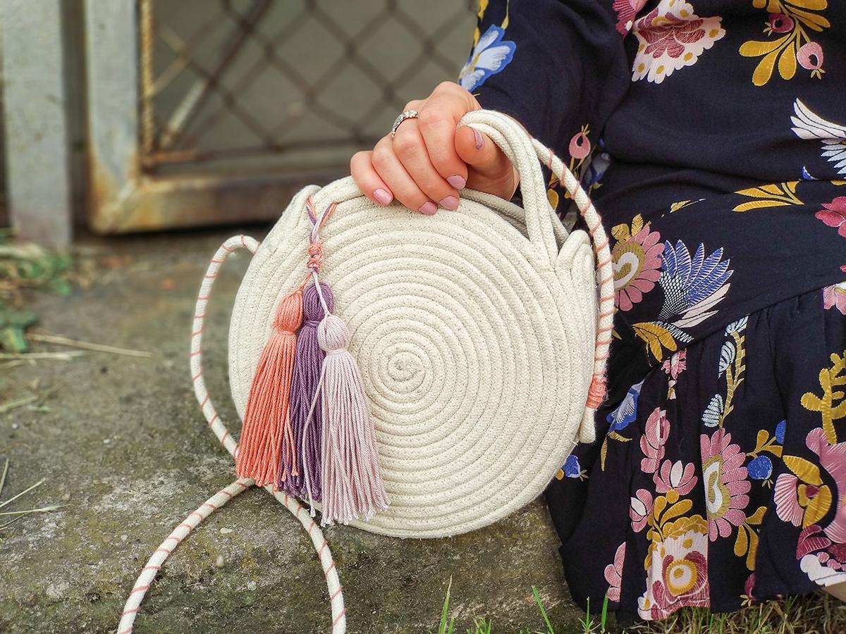DIY: okrągła torebka ze sznurka